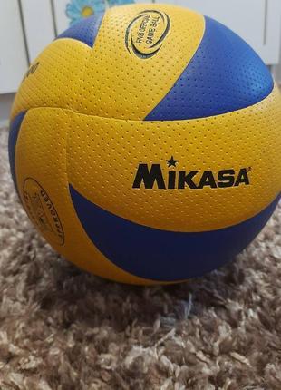 Волейбольний м'яч mikasa
