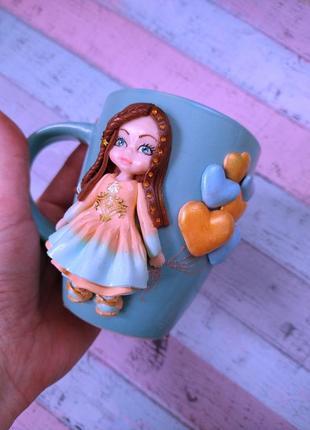 Девочка на чашке