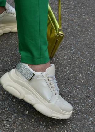 Кожаные кроссовки бежевые от производителя flamanti, шкіряні кросівки від виробника