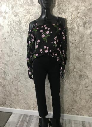 Трендовая блуза с открытыми плечами от warehouse