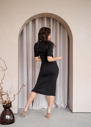 Чёрное платье с разрезом3 фото
