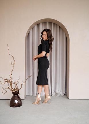 Чёрное платье с разрезом7 фото
