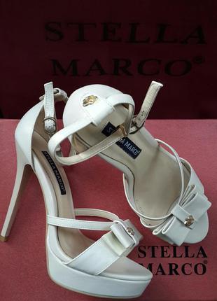 Фабричні бежеві босоніжки з натуральної шкіри stella marco