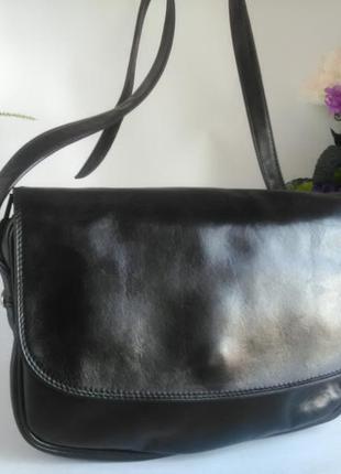 Удобная сумка кросс боди, почтальонка, натуральная кожа, черная