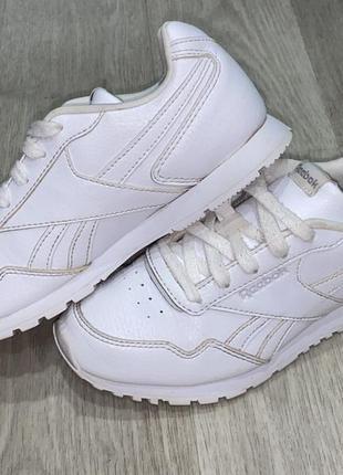 Оригинальные кроссовки reebok размер 33