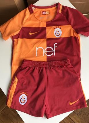 Футбольная форма на мальчика футболка шорты турецкой команды