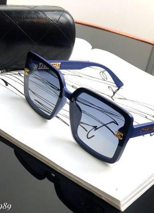 Очки , люкс качество квадратной формы с синей оправой