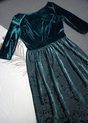 Платье миди изумрудное зеленое бархатное плюшевое