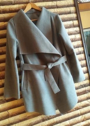 Пальто для вагітних.
