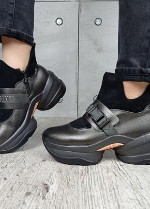 Ботинки жіночі