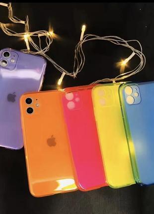 Прозрачный силиконовый чехол на айфон (фиолетовый)