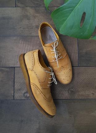 Горчичные желтые кожаные нубуковые туфли броги