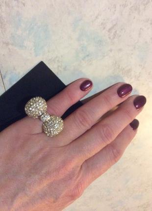 Кольцо h&m в камнях,  р.s