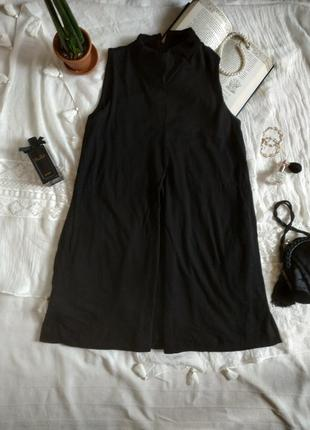 Шерстяное платье с воротником стойкой