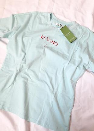 Светлая нежно голубая футболка с надписью, хлопковая футболка