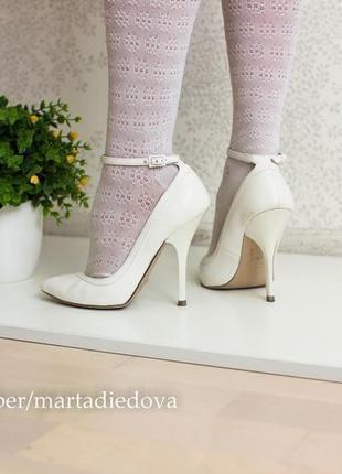 Туфли лодочки с ремешком на невысокий подъем, внутри кожа, бренд asos