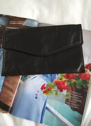 Удобный кожаный клатч-конверт