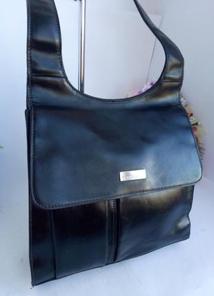 Интереcная удобная кожаная сумка на плечо, натуральная плотная кожа liz claiborne