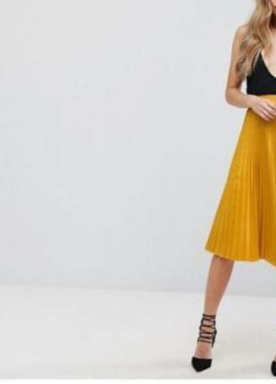 Желтая плотеая юбка миди в складку плиссе плиссированная