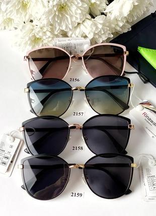 Модные солнцезащитные очки в розовой оправе 2156