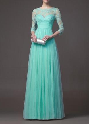 Длинное бирюзовое вечернее платье с кружевом и рукавами