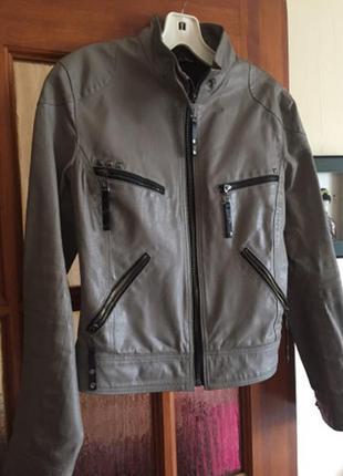 Куртка очень кожаная курточка