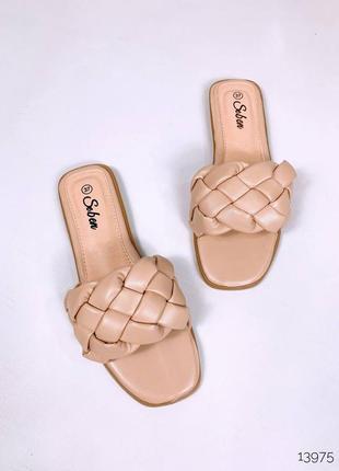 Модные шлепки туфли босоножки косичка
