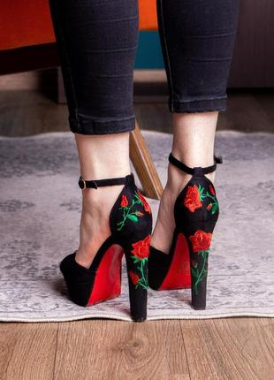 Женские стильные босоножки на каблуке fashion indiana 1198