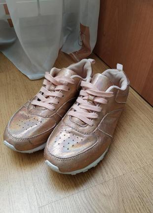 Блестящие  кроссовки от atm