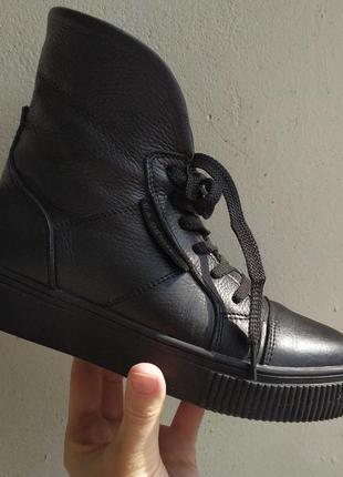 Демисезонные кожаные ботинки в спортивном стиле, высокие кеды