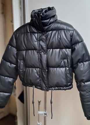 Куртка - дутик bershka размер м