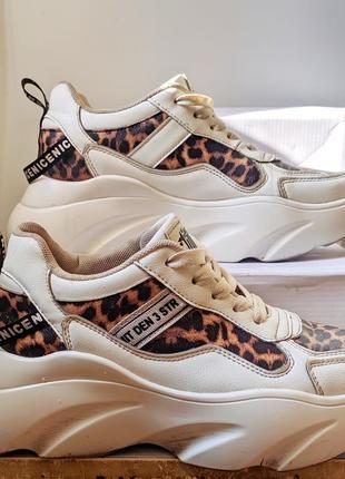Кросовки на платорме с леопардовым принтом