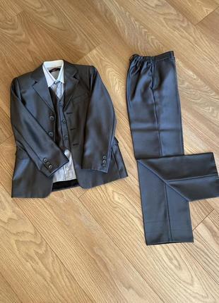 Класичний костюм для хлопчиків трійка.сорочка у подарунок)