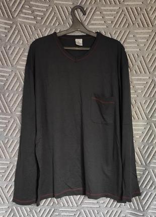 Темно-серый лонгслив