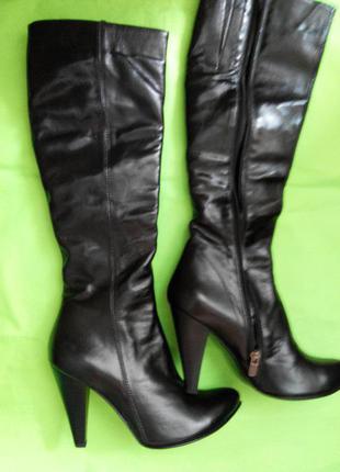 Шикарные сапоги на узкие ножки. натуральная кожа