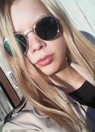 Чёрные очки с серебряной оправой)2