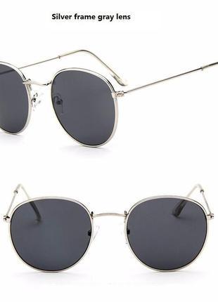 Чёрные очки с серебряной оправой)4