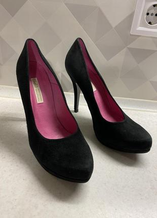 Туфли на каблуке buffalo
