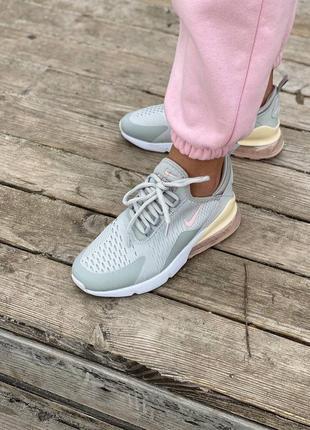 Стильні жіночі кросівки2 фото