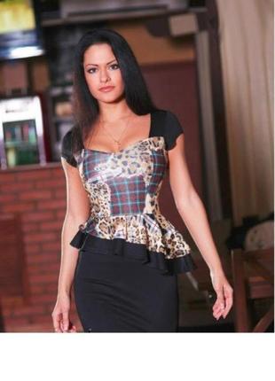 Классное платье с баской