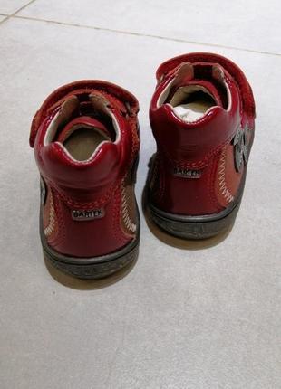 Ботинки для девочек2 фото