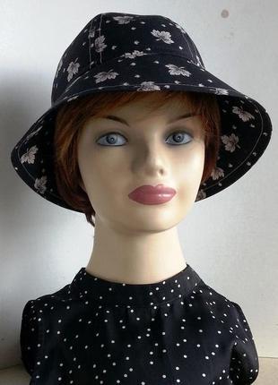 Женская шляпка. летняя. белые кленовые листья на черном