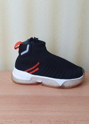 Zara 21-22  р. кроссовки 13.5 см. высокие