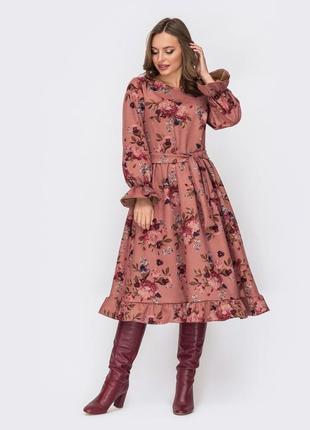 Последнее! принтованное замшевое платье ниже колен миди пудра