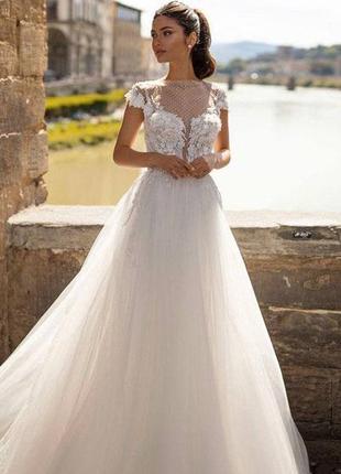 Свадебное платье (совсем новое, не б/у)