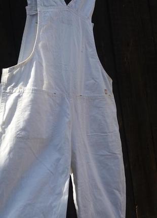Белый коттоновый комбинезон
