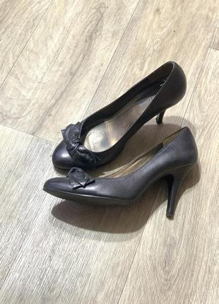 Туфли лодочки с бантом кожа 39р