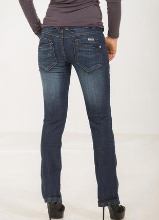 Ликвидация с возвратом! голландские темно-синие узкие потертые стрейчевые джинсы с поясом