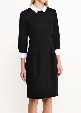 Шерстяное платье-футляр в ретро-стиле