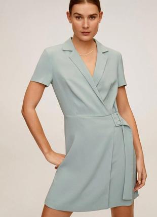 Стильное оливковое платье на запах с поясом mango